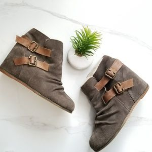 80%20 Wedge Booties Heels Gray Suede Faux Fur 8.5